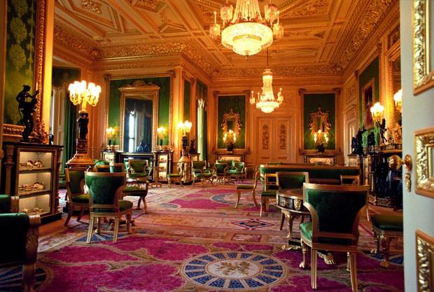 Conheça a sala histórica usada para as fotos oficiais do casamento real (Foto: Divulgação)