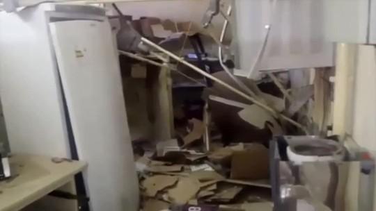 Bandidos explodem caixa eletrônico e cofre dos Correios em Inajá, no Sertão