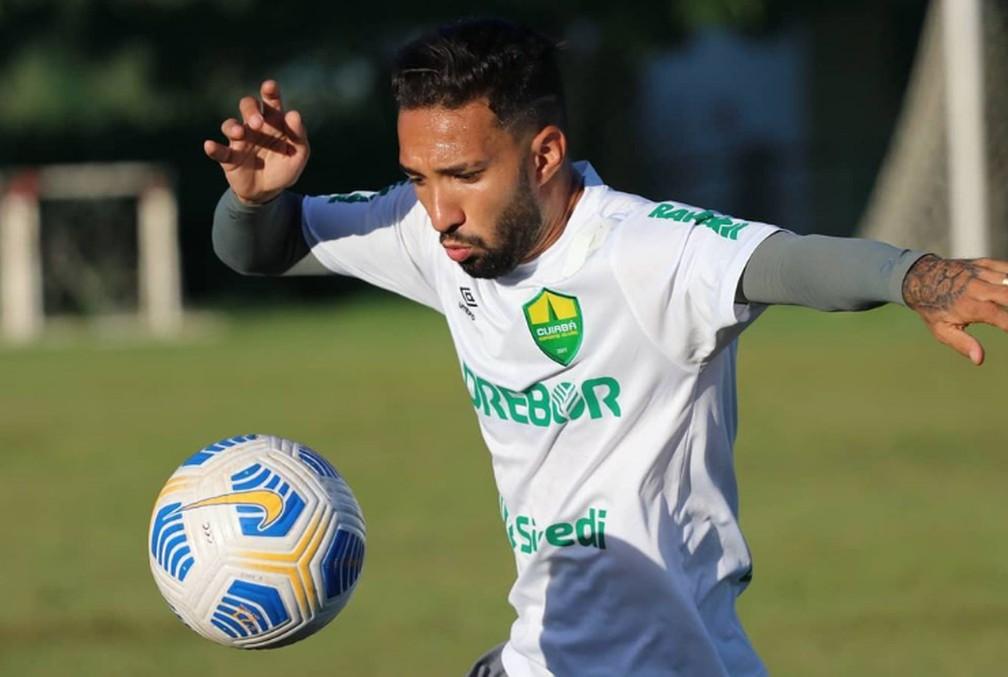 Clayson, atacante do Cuiabá  — Foto: AssCom Dourado