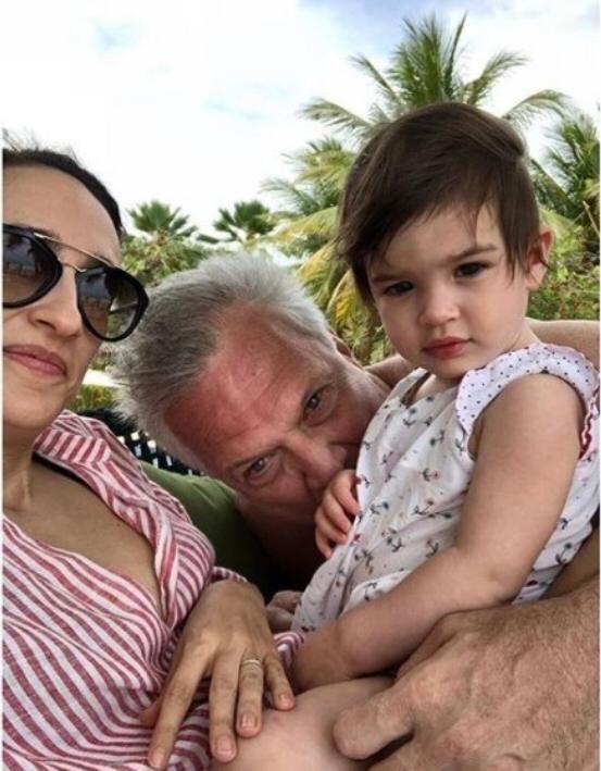 Pedro Bial e Maria Prata com a filha Laura (Foto: Reprodução Instagram)