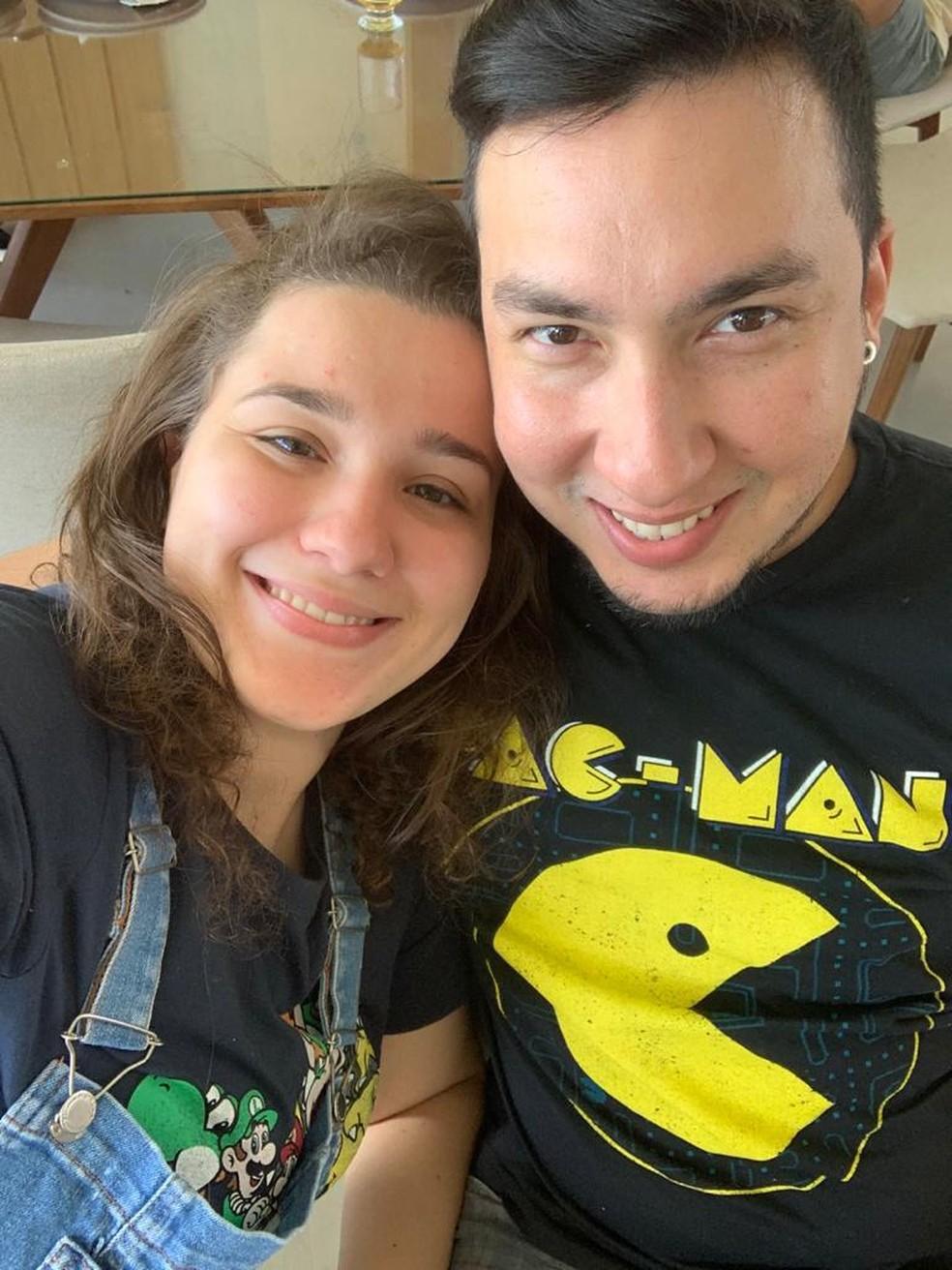 Ricardo e Larissa estão juntos há dois anos, em Cuiabá — Foto: Arquivo pessoal