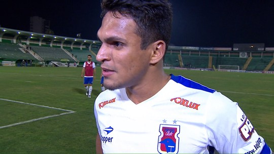 Renatinho conta que vitória sobre o Guarani dá ânimo na luta pela Série A