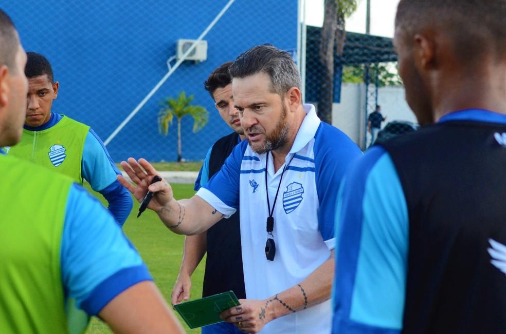 Argel Fucks ainda monta a nova equipe do CSA — Foto: Augusto Oliveira/Ascom CSA