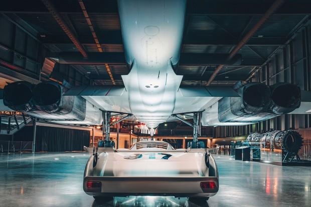 A traseira foi o ângulo mais visto dos dois por automóveis e aviões mais lentos (Foto: Divulgação)