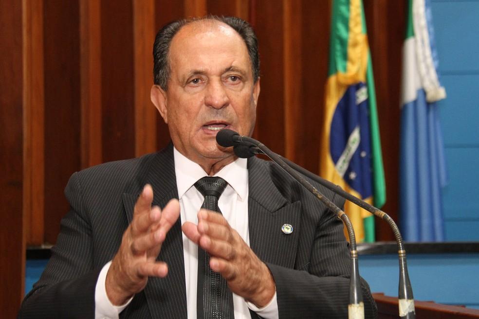 Deputado Zé Teixeira (DEM) durante sessão na Assembleia Legislativa (Foto: Wagner Guimarães/AL-MS)