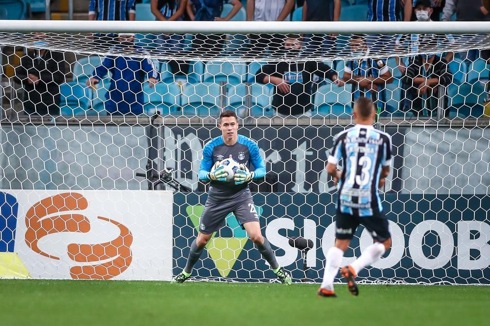 Brenno foi a novidade de Felipão no empate em 2 a 2 do Grêmio com o Cuiabá — Foto: Lucas Uebel/DVG/Grêmio