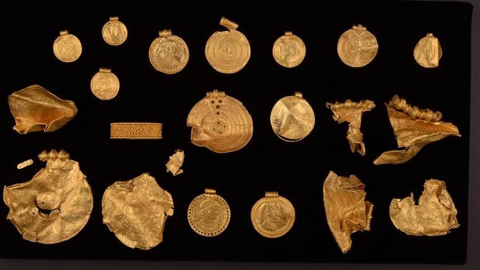 Tesouro antigo é encontrado na Dinamarca — Foto: Reprodução/Vejle Museerne