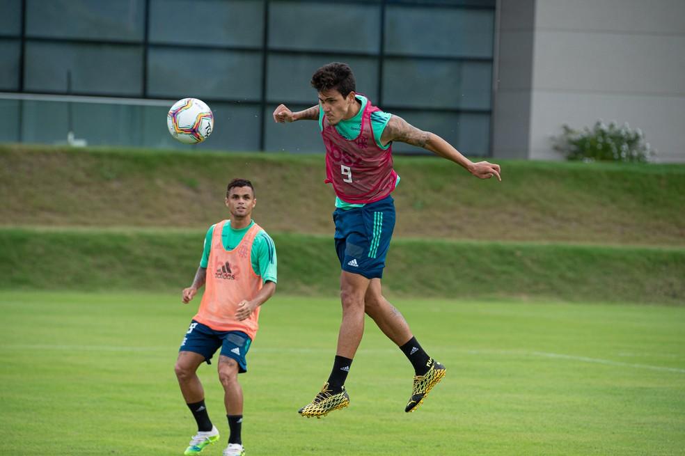 Pedro no treino do Flamengo no Ninho — Foto: Alexandre Vidal/Flamengo