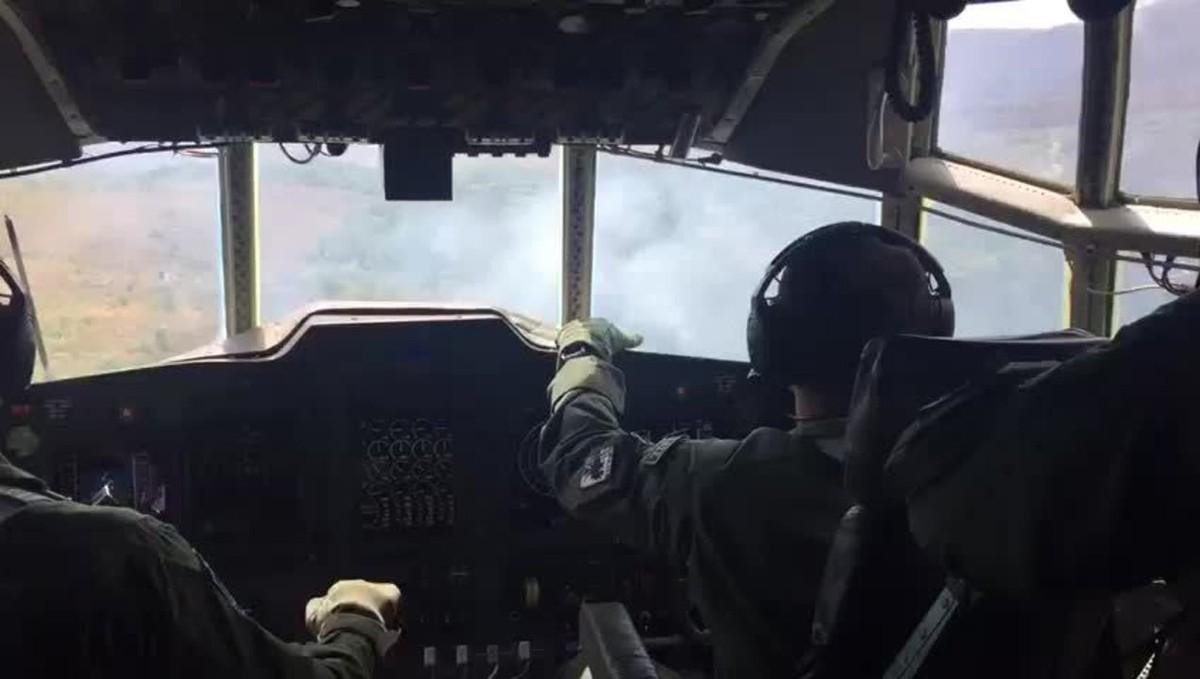 Chapada dos Veadeiros: vídeo feito a bordo de avião da FAB mostra incêndio