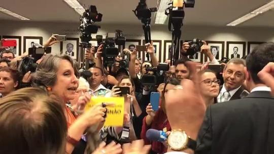 Ativistas batem boca em comissão sobre PEC que proíbe aborto