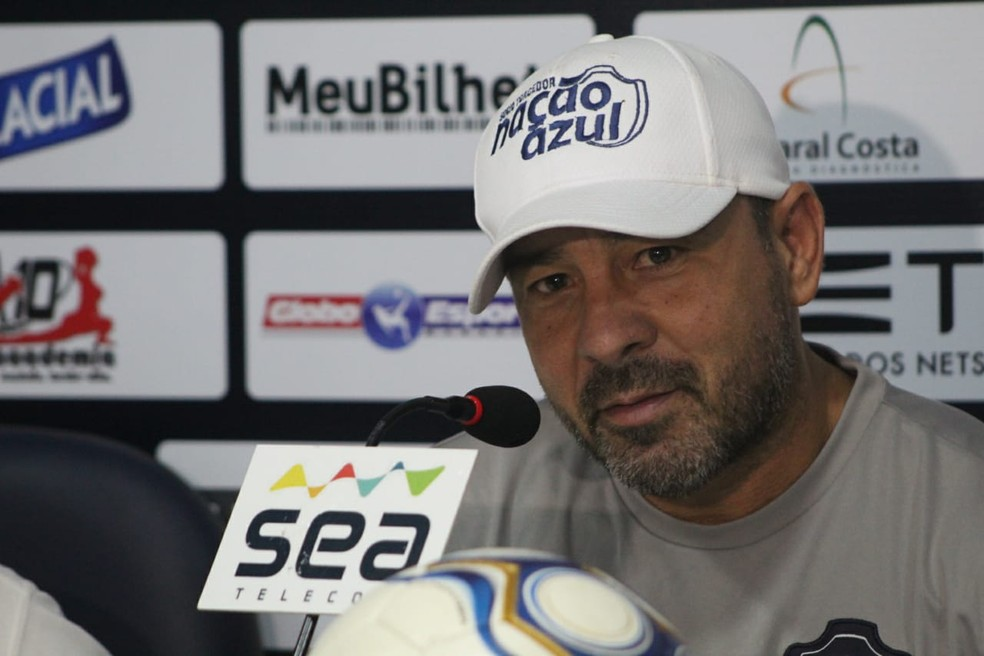Artur Oliveira não é mais técnico do Remo (Foto: Samara Miranda/Remo)