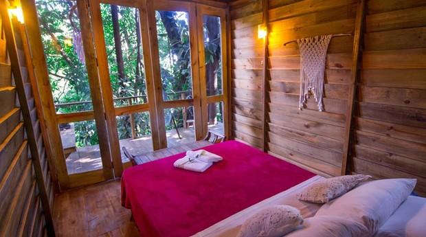 Casa na árvore do Hostel da Vila, em Ilhabela (Foto: Reprodução)