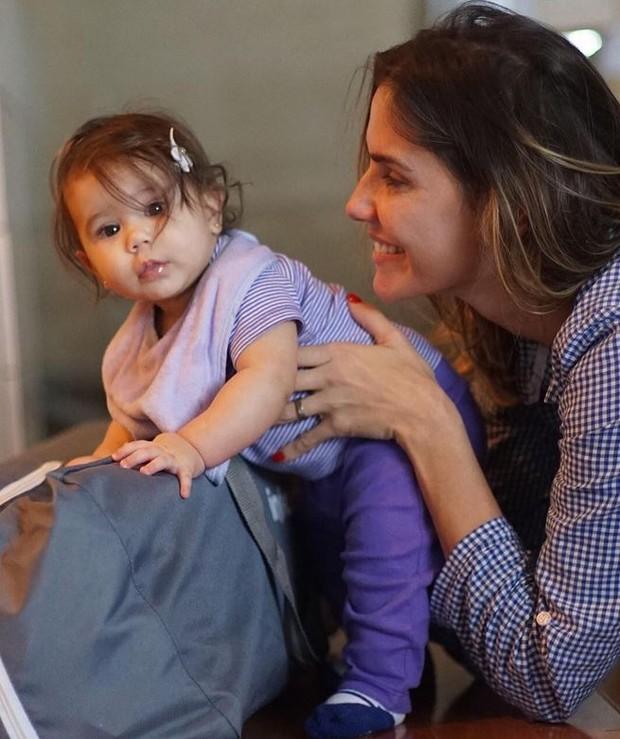 Deborah Secco e a filha, Maria Flor (Foto: Reprodução/Instagram)