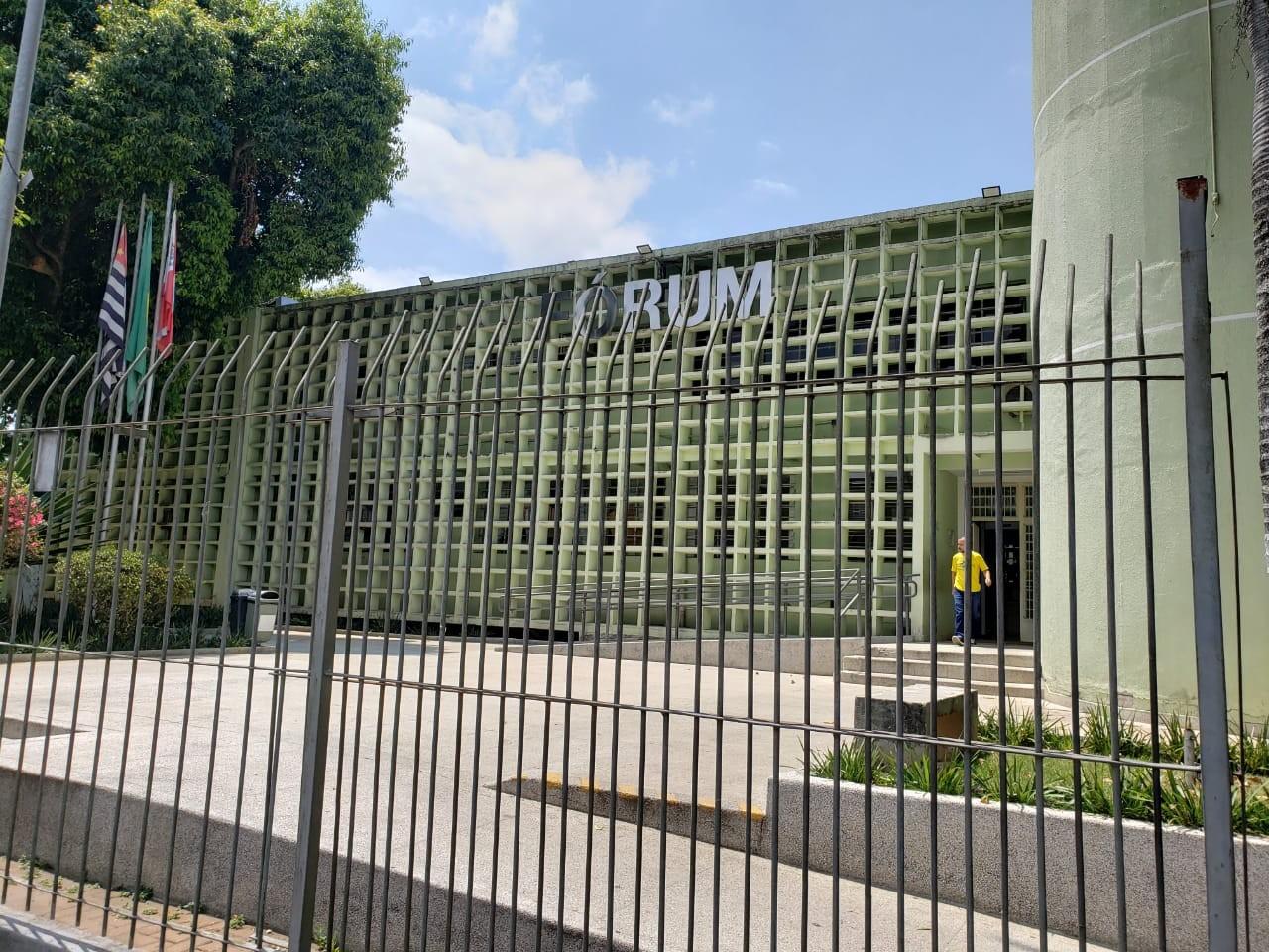 Acusados de vender arma e munição de massacre de Suzano negam em audiência de instrução negociação direta com assassinos - Notícias - Plantão Diário