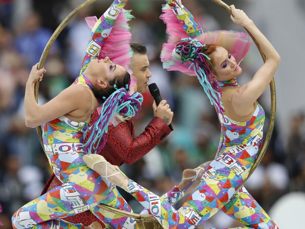 Robbie Williams se apresenta na abertura da Copa do Mundo em Moscou (Foto: AP/Hassan Ammar)