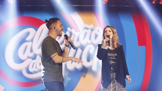 Sandy & Junior cantam pela primeira vez em público; assista