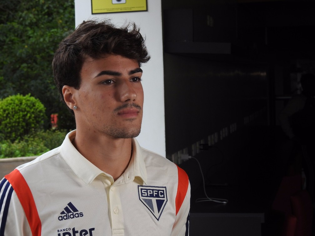 Igor Gomes, do São Paulo, concede entrevista ao Grupo Globo — Foto: Marcelo Hazan