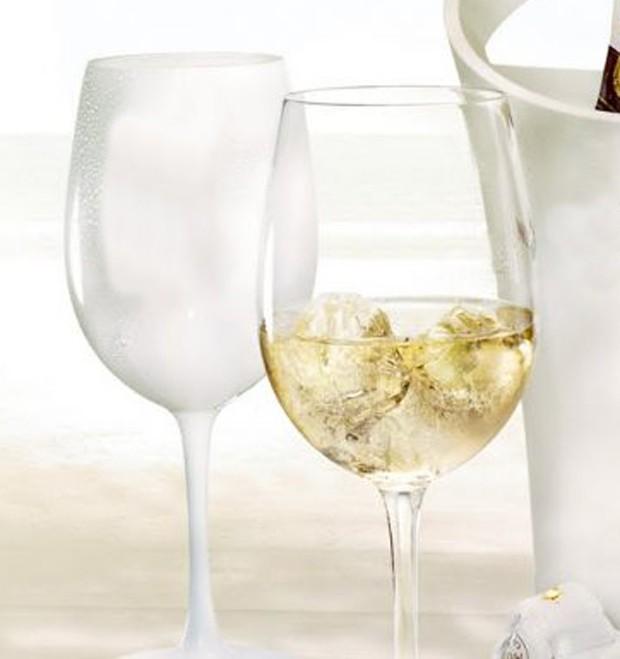Gelo no vinho pode? (Foto: Divulgação)