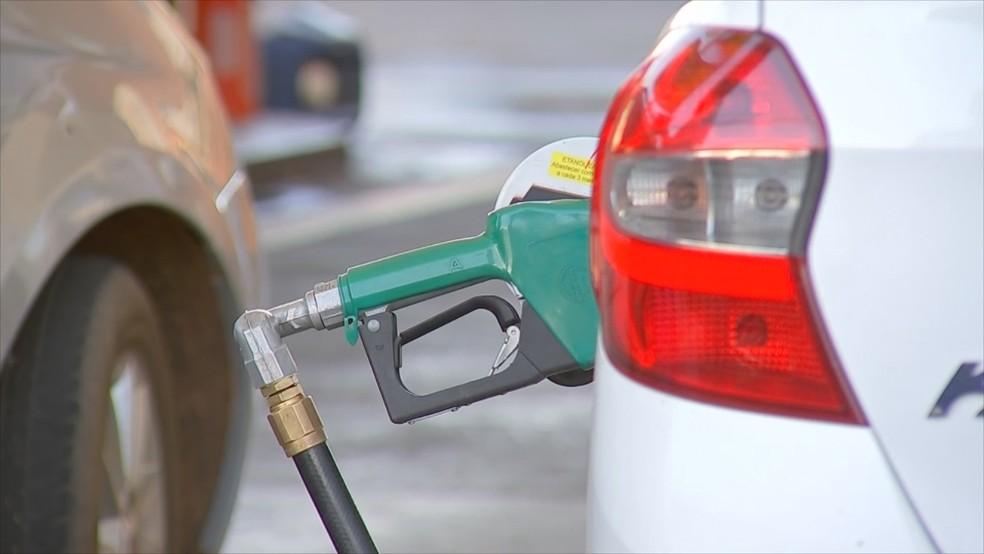 Gasolina tem aumento na média — Foto: Reprodução/TV TEM