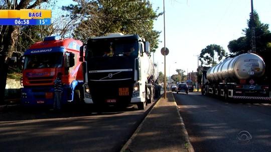 GM paralisa produção no RS por protesto de caminhoneiros
