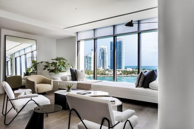1251f7afc1c Vista para o oceano é destaque em casa de US  20 milhões em Miami (
