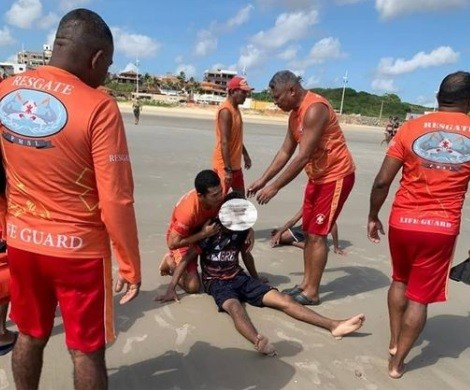 Guarda-vidas resgatam quatro banhistas de afogamento na praia do Caolho, em São Luís