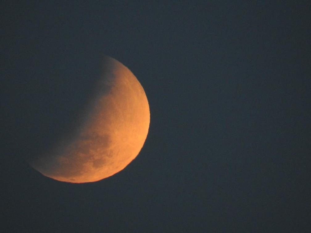 Eclipse em Manaus por volta de 18h15 — Foto: Patrick Marques/G1 AM