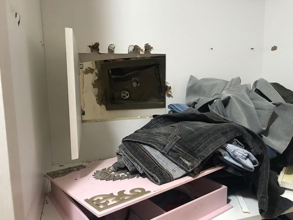 Assaltantes arrombaram cofre de comerciante em Espirito Santo, no RN (Foto: Kleber Teixeira/Inter TV Cabugi)