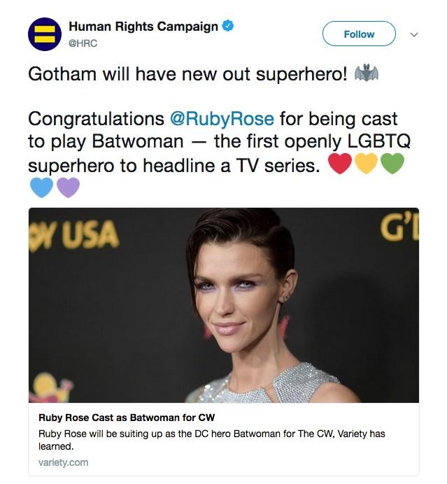 O comunicado da organização Human Rights Campaing celebrando a seleção de Ruby Rose para viver a heroína Batwoman (Foto: Twitter)