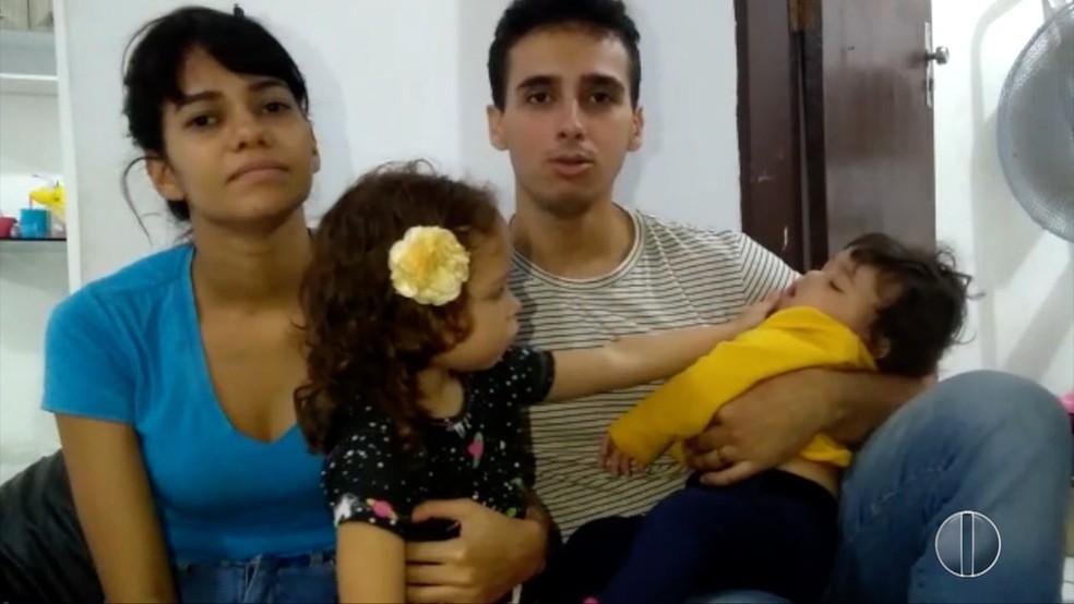 Casal vendeu móveis para arrecadar dinheiro para tratamento da filha de 10 meses (Foto: Reprodução/Inter TV Cabugi)