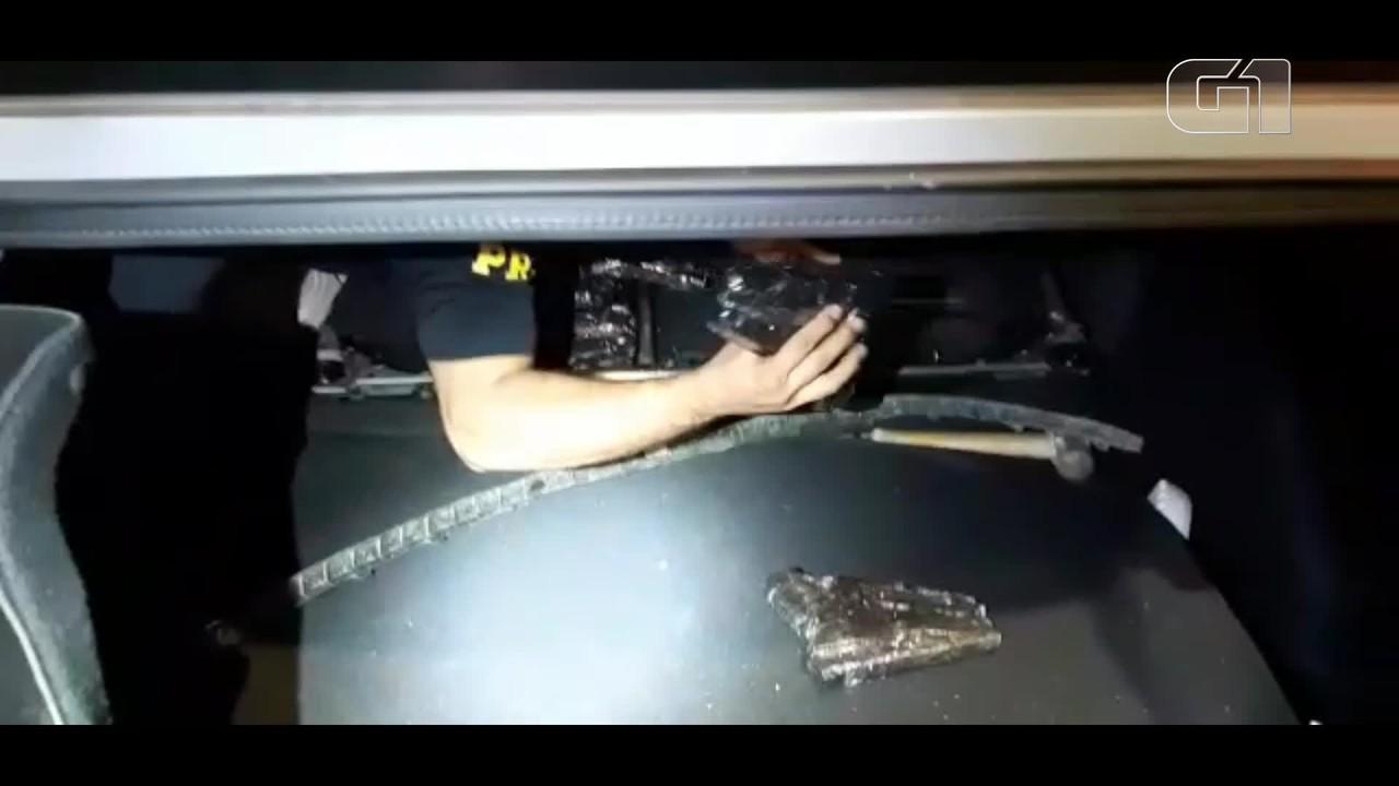PRF encontra nove pistolas e 25 carregadores escondidos em carro na BR-277, em Céu Azul