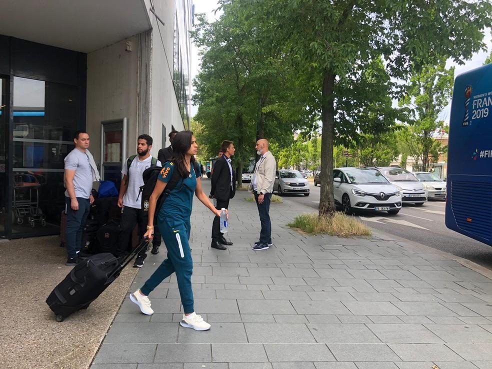 Andressa Alves foi desfalque para o Brasil no jogo contra a França — Foto: Amanda Kestelman
