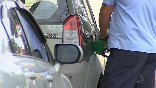 Consumidor reclama da alta no preço do etanol durante a safra da cana