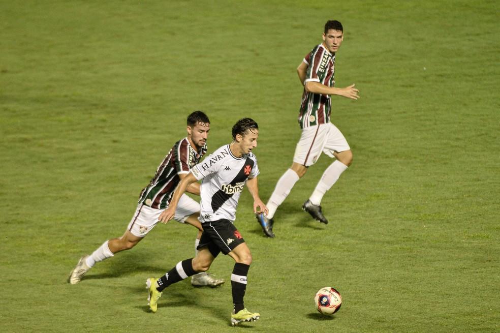Galarza em ação no clássico diante do Fluminense — Foto: Nayra Halm/Agência Estado