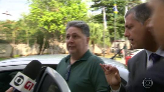 Prisão de casal Garotinho foi pedida por risco de interferência na investigação, diz promotora