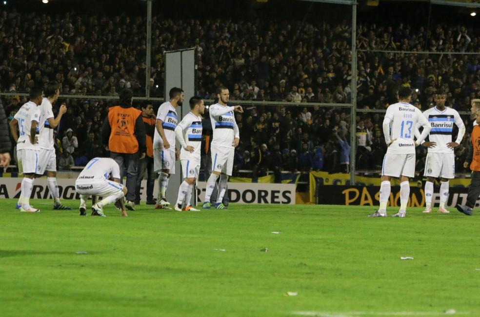 Grupo do Grêmio após eliminação em 2016 — Foto: Eduardo Moura/GloboEsporte.com