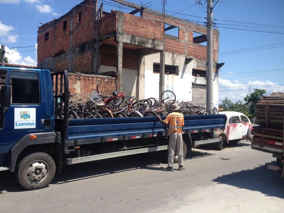 Mais de 50 bicicletas foram apreendidasem Lorena — Foto: Divulgação/Polícia Ambiental