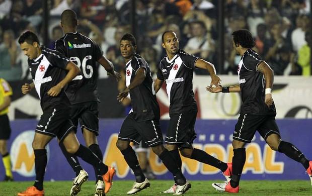 Alecsandro gol Vasco x Santos (Foto: Marcelo Sadio / Site Oficial do vasco)