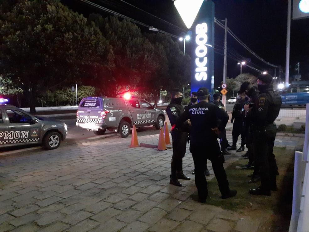 Forças de segurança realizam operação toque de recolher em Natal — Foto: Julianne Barreto/Inter TV Cabugi