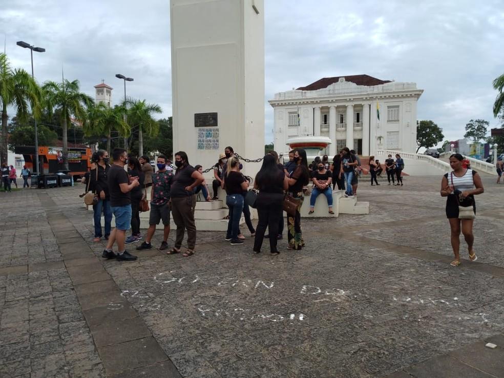 Em greve, trabalhadores da Educação fazem caminhada pelo Centro de Rio Branco — Foto: Lidson Almeida/Rede Amazônica