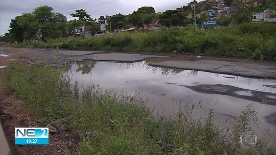 Buracos na PE-15 causam desativação de estações de BRT e mudança de ônibus em Olinda