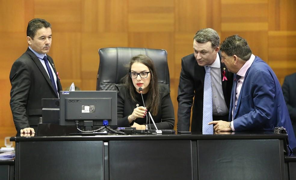 Janaiva Riva foi a primeira deputada a compor uma Mesa Diretora na ALMT — Foto: ALMT/Divulgação