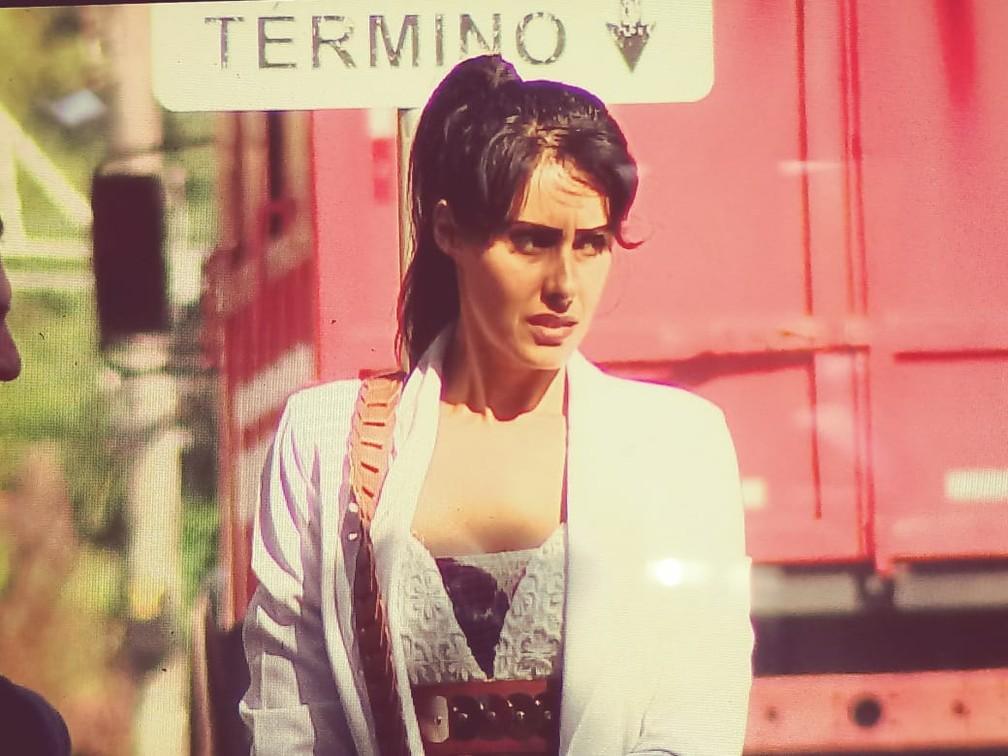 Cantora gospel Tania Levy chega para julgamento em São Pedro — Foto: Ronaldo Oliveira/EPTV