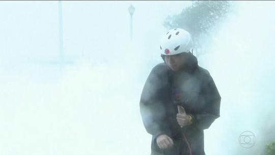Hong Kong emite alerta máximo para chegada do tufão Hato