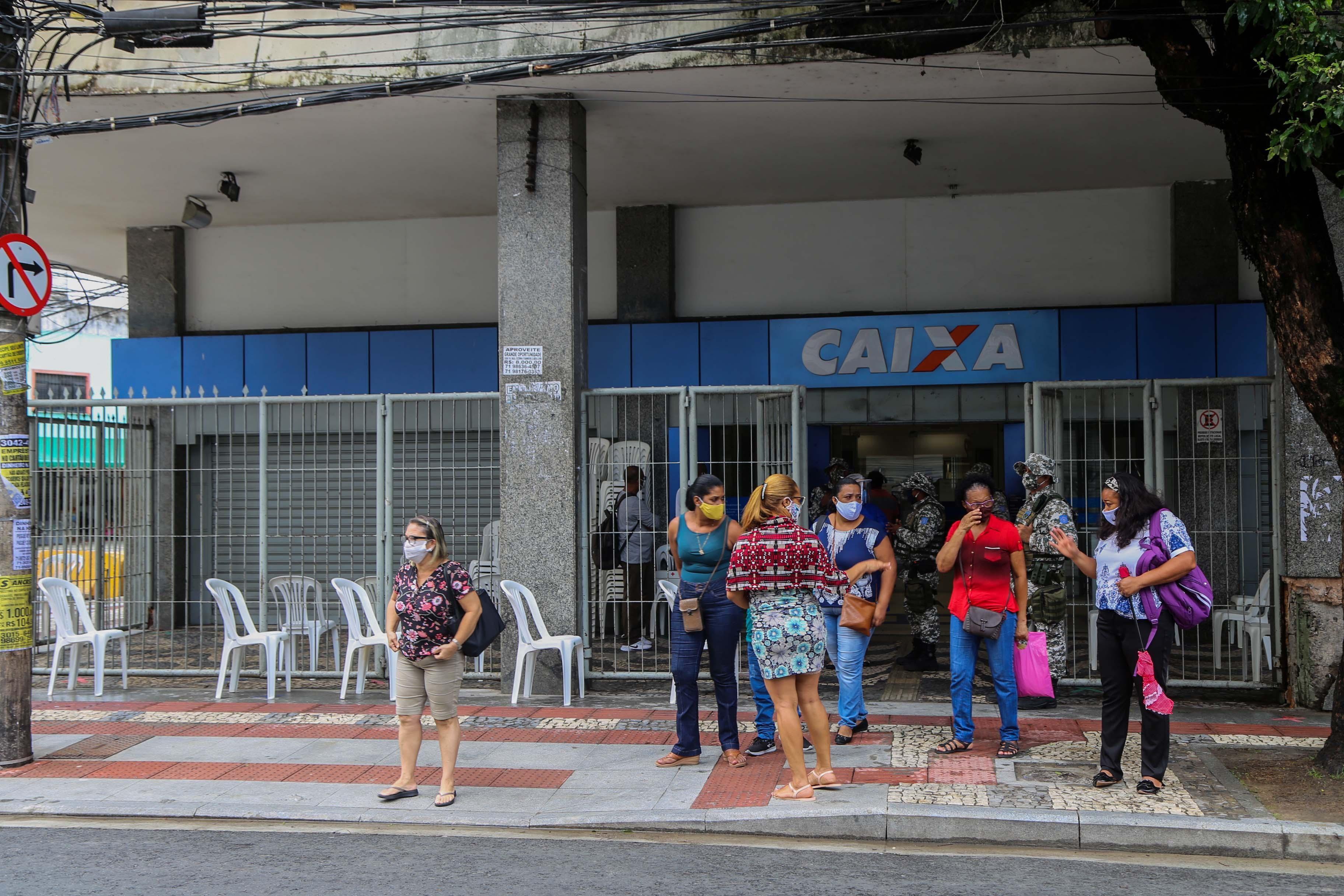 Agências da Caixa na Bahia abrem no sábado para pagamento de auxílio emergencial