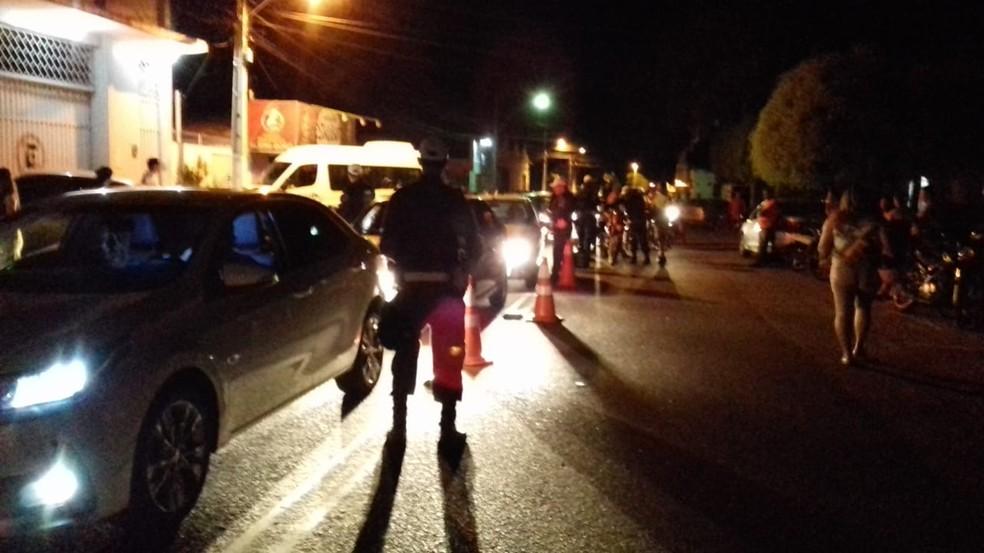 Blitz foi montada na Rua Prudente de Morais, em razão da realização do Mossoró Cidade Junina — Foto: PMRN/Divulgação