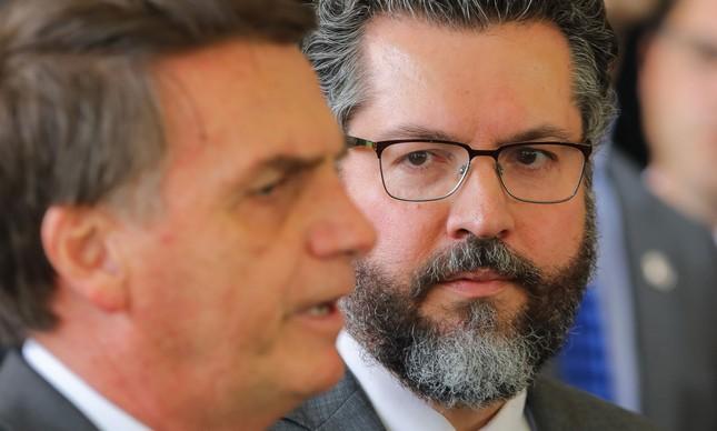 Bolsonaro apresenta o futuro chanceler Ernesto Araújo