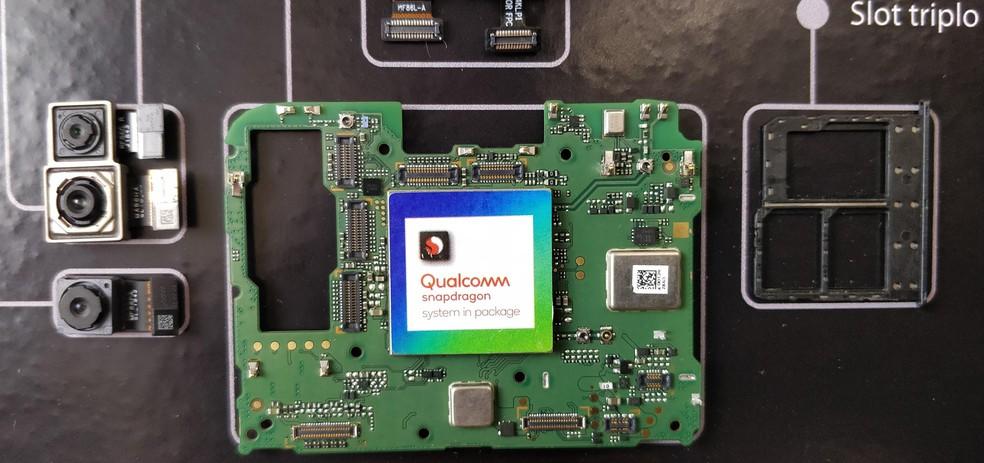 Chip QSiP, da Qualcomm; fabricante começará a produzir semicondutores no Brasil — Foto: Fabrício Yuri/Globo.com
