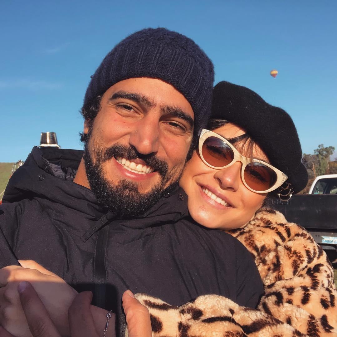 Thaila Ayala relembra foto agarradinha ao namorado (Foto: Reprodução / Instagram)