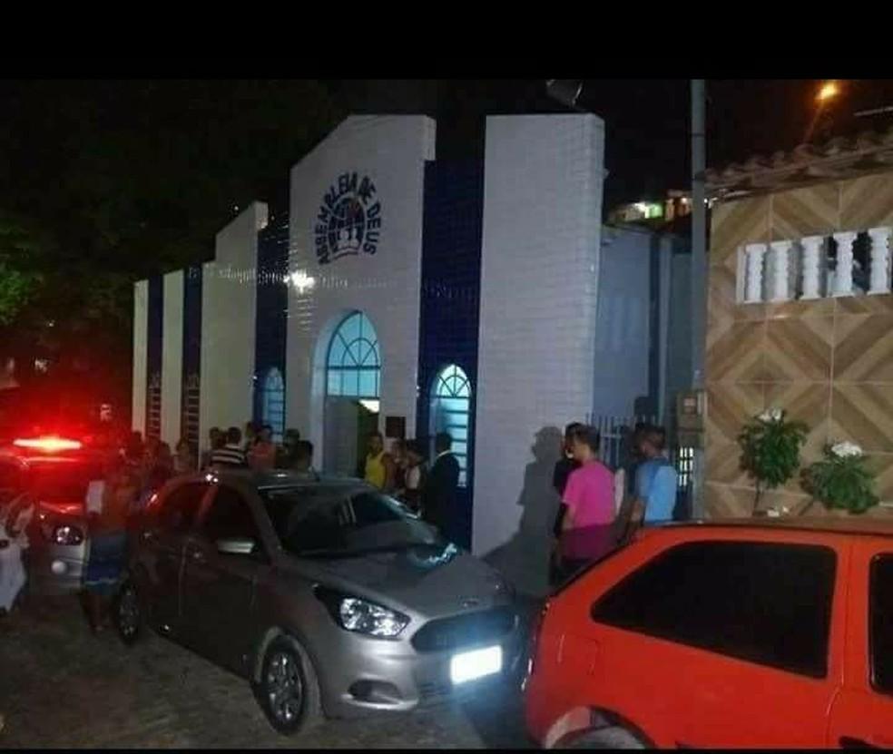 Assembleia de Deus, em Camaragaibe, no Grande Recife, foi palco de assassinato no domingo (14) (Foto: Reprodução/WhatsApp)